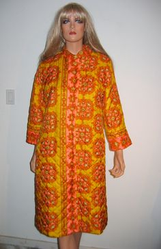 Hippie Print Quilted Robe. Mind altering colors.  Groovy Women's Vintage 1970. Size 14.  Made in USA.  Loungees.  Housecoat. by NancyPantsi on Etsy