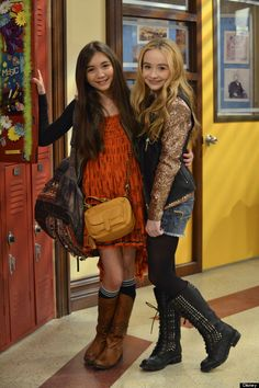 Say Cheese! The Matthews Family (And Friends) Pose For A 'Girl Meets World' Family Photo