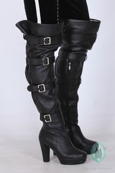Yennefer cosplay Boots, The Witcher 3 Cool Costumes, Cosplay Costumes, Yennifer Witcher, Yennefer Cosplay, Culture T Shirt, Yennefer Of Vengerberg, Cosplay Boots, Looking Gorgeous, Costume Design