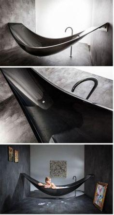 Hammock-shaped bathtub