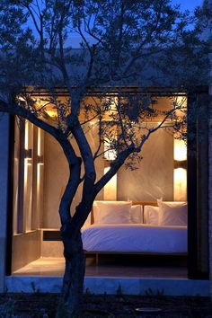 gldnr: Amanzo'e Hotel (Greece) © Julien Oppenheim Oh Lord Architecture Courtyard, Interior Design Elements, Romantic Night, Coastal Style, Beautiful Space, Leaf Design, Hotels And Resorts, Outdoor Gardens, Greece