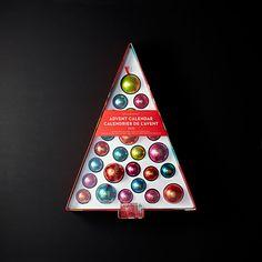 Gift Guide for Coffee Lovers   #christmasgifts #giftideas #giftguide #coffeelovers #giftsforcoffeelovers #coffeeaddict #coffee #hellolatte #caramellatte #bathbomb #coffeesoap #exfoliatingsoap #DIYcoffeesyrups #handpaintedmug #coffeelipbalm   hellolatte.com