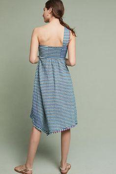 Slide View: 2: Waverly Midi Dress