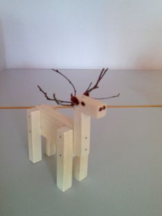 Woodworking Projects For Kids, Woodworking Crafts, Wood Projects, Tool Bench, Christmas Wood Crafts, Crafts For Kids, Diy Crafts, Recycled Art, Wooden Crafts