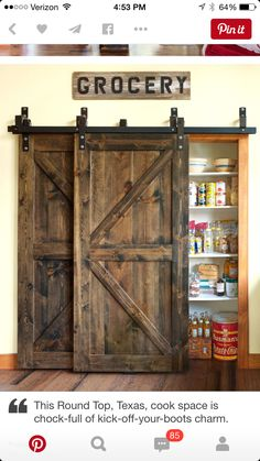 A house just isn't a home without a barn door or two. There's something so simultaneously rustic and down-to-earth about creatively showcasing these huge wooden doors. Diy Wohnkultur - Diy Home Decor Diy Home Decor Rustic, Rustic Kitchen Decor, Easy Home Decor, Cheap Home Decor, Rustic Farmhouse, Kitchen Ideas, Kitchen Pantry, Pantry Closet, Pantry Ideas
