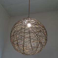 Have been wanting to make a string lampshade for ages but I wanted a really big one for the dining room. Doing a clean out the other day I f. Balloon Chandelier, Outdoor Chandelier, Diy Chandelier, Yarn Balloon, Balloon Crafts, Make A Lampshade, Lampshades, Diy Pendant Light, Bedroom Crafts