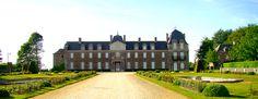 PARC DU CHATEAU DE CARADEUC 35190 BECHEREL Un parc à la française entoure le château de Caradeuc après sa construction en 1723 par Anne-Nicolas de Caradeuc, Conseiller au Parlement de Bretagne et père du célèbre Procureur Général Louis-René Caradeuc de la Chalotais.  Puis, à son retour d'émigration, le marquis de Caradeuc, petit-fils du procureur général trace un parc à l'anglaise autour de sa demeure.