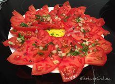 #tomate #raf #ajo confitado #sal negra #albahaca #aove  -...