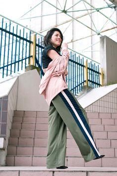 look tee-shirt Yayou, parka rose SheIn, pantalon large Boohoo. L'atelier d'al blog mode lifestyle. Street style Paris