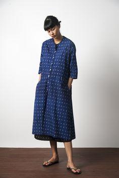 Blouse Batik, Batik Dress, Muji Style, Batik Kebaya, Simple Dresses, Indigo, Women Wear, Fashion Design, Fashion Ideas