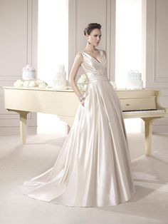 Incredibil de Eleganta Rochie de Mireasa din Satin ❤️‍ Incredibly Elegant Satin Wedding Dress