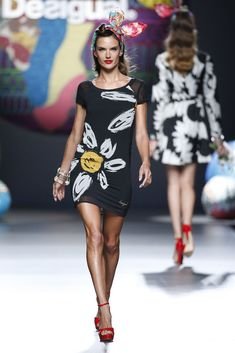 Desigual Dress. Black and White Flowers. Alessandra Ambrossio. S-S 2015