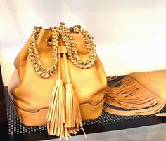 Agua del Carmen Shop in Milan Rebecca Minkoff, Bucket Bag, Milan, Luxury Fashion, Jewels, Boutique, Stylish, Hats, Sneakers