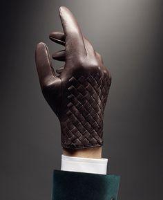 Glow gloves, intrecciato leather