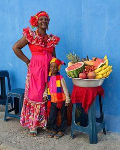 Cartagena in Technicolor Beautiful Family, Beautiful World, Beautiful People, African American Artwork, American Artists, Columbian Girls, Carnival Outfit Carribean, African Diaspora, Africa Fashion