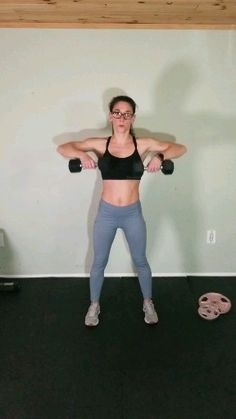 Arm workout routine with dumbells - Challenge your upper body with this intense arm workout. This muscle building dumbbell routine is t - Arm Workouts At Home, At Home Workouts For Women, Body Workout At Home, Body Workouts, Shoulder Workouts For Men, Back And Shoulder Workout, Shoulder Workout Women, Shoulder Exercises, Dumbbell Arm Workout