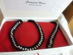 collana e bracciale con catena rivestita all'uncinetto colore nero