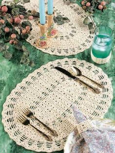 A handmade placemat using our free crochet placemat patterns adds warmth and depth to your table settings. Crochet Home Decor, Crochet Crafts, Crochet Projects, Free Crochet, Knit Crochet, Crochet Table Runner, Crochet Tablecloth, Crochet Doilies, Crochet Placemat Patterns