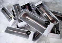 Ostolakossa blogi: 3 loistavaa sivellintä meikkipohjan tekoon #Cailap