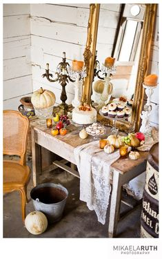 Such a great presentation for a dessert table in Autumn!!