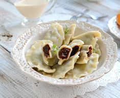 pierogi z suszoną śliwką Polish Recipes, Polish Food, Pierogi, Dumplings, Macaroni And Cheese, Ale, Soup, Pudding, Dinner
