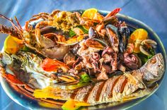 Mixed Seafood, a jaw-dropping mix of lobsters, mussels, shrimps, crabs, octopus, calamari, clams and prawns!  Marisqueria Corcovado Puerto Jimenez, Puntarenas Costa Rica #seafood #restaurant #review #yum #foodie #food
