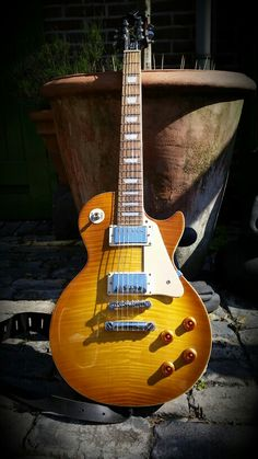 Epiphone Les Paul Standard. What a great guitar.Stock.
