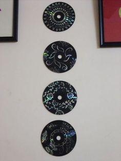 Esta decoração de parede com CD velho pode ter os desenhos que você quiser  (Foto: instructables.com)