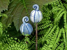 """Pflanzen- & Gartenstecker - Gartenstecker """"FRUCHTFORM"""" blaugrau marmoriertert - ein Designerstück von Brigitte_Peglow bei DaWanda"""