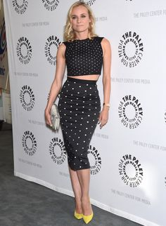 Diane Kruger! Sempre perfeita! Top cropped + saia lapis midi + scarpin
