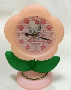 Sanrio Hello Kitty vintage 1997 Daisy Swinging Leaf Clock Pre-owned plastic rare