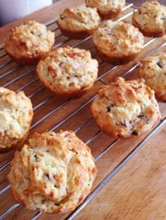Cooking For Busy Mums: PIZZA MUFFINS