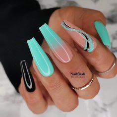 Bling Acrylic Nails, Glam Nails, Summer Acrylic Nails, Hot Nails, Best Acrylic Nails, Hair And Nails, Acrylic Nail Designs, Turquoise Acrylic Nails, Turquoise Nail Designs