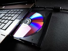 Proses pembuatan CD , DVD atau Blu-ray dimulai dengan pembuatan Master Disk (master data). Master Disk ini menyimpan data program (baik CD audio digital atau file komputer ) yang akan di produksi. Master Disk ini juga digunakan untuk membuat stamper yang berisikan data . Stamper ini nantinya akan melekat di …