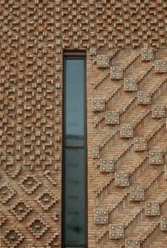 architecture - Reclaimed Brick Tile Patterns from Ordinary to Extraordinary Brick tile patterns for our genuine reclaimed thin brick tiles, sliced from antique bricks – ar Brick Art, Brick Tiles, Brick Facade, Detail Architecture, Brick Architecture, Architectural Pattern, Architectural Sculpture, Recycled Brick, Brick Detail