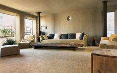 The gorgeous Greenwich Hotel TriBeCa Penthouse was created by Belgian designer Axel Vervoordt and Japanese architect Tatsuro Miki. Estilo Interior, Best Interior, Arch Interior, Wabi Sabi, Living Room Designs, Living Room Decor, Greenwich Hotel, Axel Vervoordt, Rustic Home Design