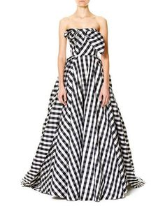 Carolina HerreraStrapless Gingham Ball Gown, Black/White $5,990.00 | Carolina Herrera gingham-check gown. Strapless neckline. Pleated bodice with center knot. Seam across natural waist. Side slip pockets. Full ball silhouette. Straight hem; back train. Polyester; lining and framing, silk. Underlining, cotton. Made in the USA of imported material. White Evening Gowns, White Ball Gowns, Evening Dresses, White Strapless Dress, White Dress, Dress Black, Carolina Herrera Dresses, Zara, Knot Dress