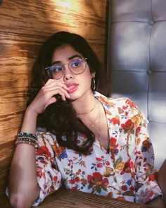Jhanvi may be a dazzling female child of Kapoor family who is aged Hindu lass from Mumbai, Maharashtra, India. Jhanvi Kapoor's biography is extremely i Girl Pictures, Girl Photos, Indian Photoshoot, Girl Photo Poses, Photo Shoot, Cute Actors, Hottest Pic, Bollywood Actress, Bollywood Girls