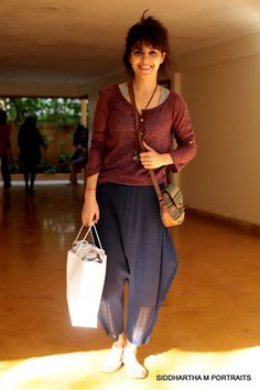 this casual look is mind blowing. Isha Talwar spotted at VIP SALE. Indian Girls, Mind Blown, Casual Looks, Vip, Divas, Parachute Pants, Photographers, Mindfulness, Silver