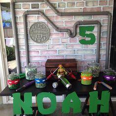 Ninja turtle candy buffet! Thank you @ana_divinefunctions for the banner. #ninjaturtleparties #ninjaturtles #candybuffet