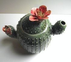 Ceramic Cactus Teapot with flowers - Stoneware (grès) Teapot by L'Officina - Handmade Ceramics on Etsy Pottery Teapots, Ceramic Teapots, Ceramic Pottery, Ceramic Decor, Vintage Ceramic, Stoneware Clay, Ceramic Clay, Cactus Ceramic, Ceramics Projects