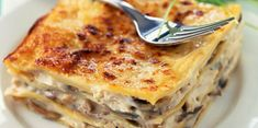 Easy chicken lasagna discover the cooking recipes of Femme Actuelle Le MAG Easy Smoothie Recipes, Easy Smoothies, Snack Recipes, Cooking Recipes, Healthy Smoothie, Bolognese, Chicken Lasagna, Mushroom Lasagna, Lasagne Recipes