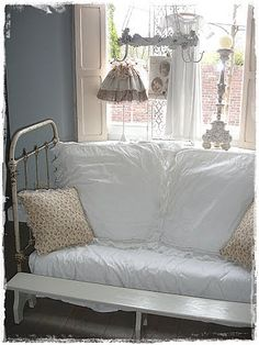 ,shabby chic day bed