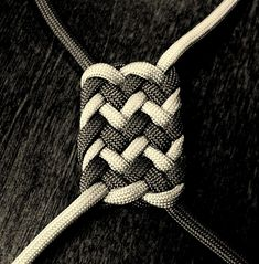 knots patterns paracord | ... for ways to apply the decorative patterns to some useful knot work