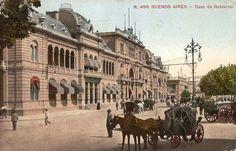 La casa de Gobierno en 1905 y su tránsito pesado.