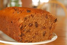 Aunt Mabel's Brown Stew, Depression Corn Bread, and Vintage Eggless, Milkless, Butterless Cake Vegan Desserts, Delicious Desserts, Yummy Food, Super Cheap Meals, Raisin Cake, Depression Era Recipes, Bread Cake, Piece Of Cakes, Vintage Recipes