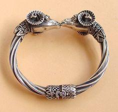 Sprzedaj podobny Bracelets, Silver, Jewelry, Charm Bracelets, Jewellery Making, Jewerly, Bracelet, Jewlery, Jewelery