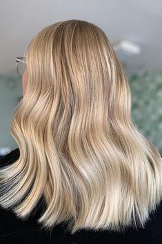 Light Blonde Balayage, Dark Blonde Hair Color, Light Blonde Hair, Blonde Hair Looks, Light Hair, Neutral Blonde Hair, Darker Blonde, Pretty Hair Color, Hair Colour