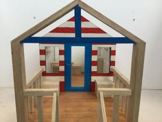 Scale model beach hut