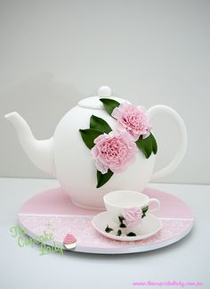 Teapot cake so very well done